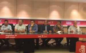 El PSOE de León pide en Ferraz derogar el decreto que limita la figura del secretario vecino en las Juntas