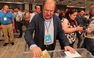 Herrera destaca la «necesaria renovación generacional» en el PP tras la victoria de Casado