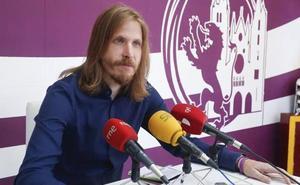 Pablo Fernández dice que Casado tiene máster en «involucionismo» y que impone un giro a la derecha