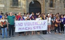 Luto y dolor en Astorga por la sinrazón de la violencia machista