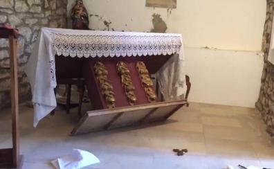 Dos jóvenes de Boñar piden perdón al cura tras destrozar la iglesia de Adrados