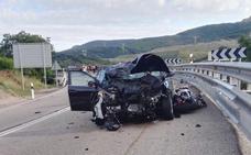 Un motorista en estado muy grave tras un choque frontal en Pola de Gordón