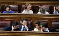 Sáenz de Santamaría promete lealtad al PP pero se resiste a integrarse en la dirección