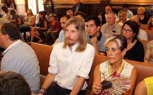 Pablo Fernández pide a Silván que dimita y reclama que Mañueco le cese como procurador