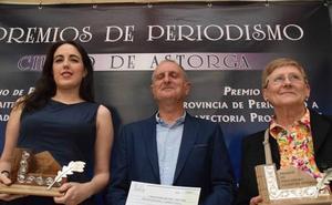 Astorga 'homenajea' al periodista Alberto Delgado con un acto institucional en el Salón de Plenos