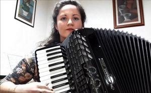Murias de Paredes vivirá un concierto de acordeón de Haydée Calvo García