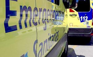 Herido un motorista tras colisionar contra un turismo en la N-VI a la altura de Villagatón