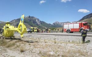 Heridos los dos ocupantes de un turismo que se salió de la vía en la AP-66 en Sena de Luna