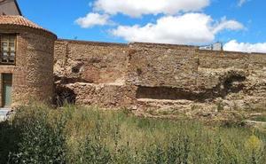 El PSOE denuncia el retraso «injustificable» en la obra del tramo de muralla de Santa Marina