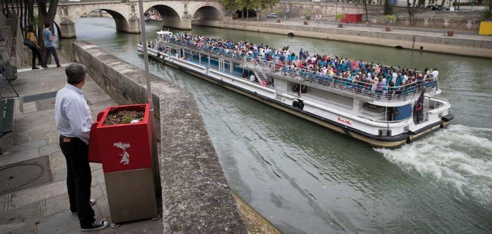 Un urinario con vistas al Sena