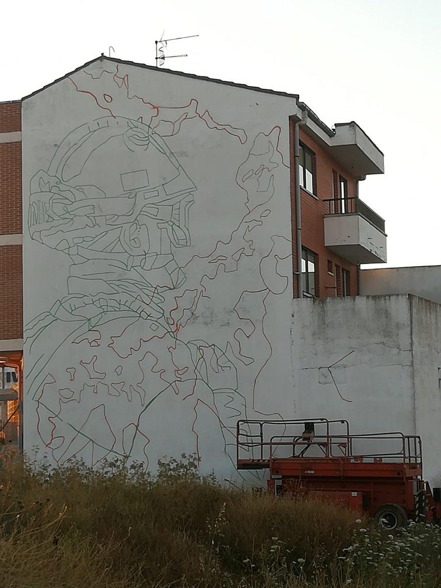 Brif Tabuyo en un graffiti