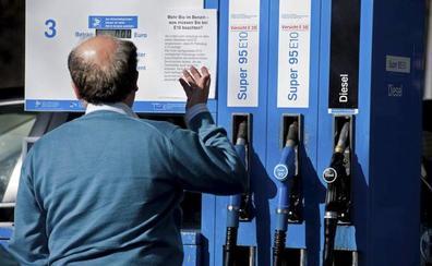 La elección de gasolinera en una misma provincia permite ahorrar hasta doce euros por depósito