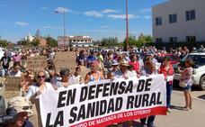 Organizan una concentración en defensa de la sanidad en el área rural en La Bañeza