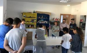 El Centro de Menores Gloria Fuertes acoge este verano a 15 jóvenes que realizan actividades de ocio y desarrollo personal