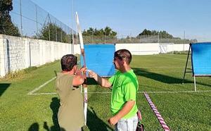 Astorga 'se vuelca' con una exhibición y una sesión interactiva de tiro con arco