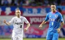 Torres marca su primer gol en Japón y gana el derbi ante Iniesta