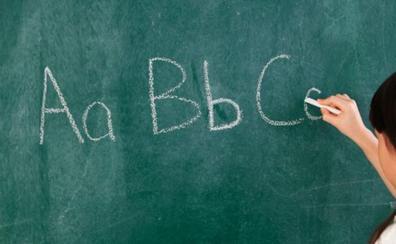 León iniciará curso escolar con 77 docentes menos que en 2017