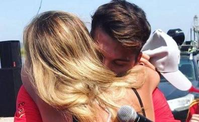 Cristian Toro sorprende a su pareja pidiéndole la mano de una manera muy emotiva