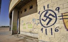 Despedido por un tatuaje nazi un conductor de transporte público en Bruselas