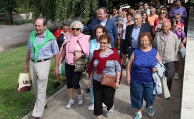 El Ayuntamiento de León recibe una subvención de 6.500 eurosde la FEMP por su Programa de Rutas Saludables para mayores