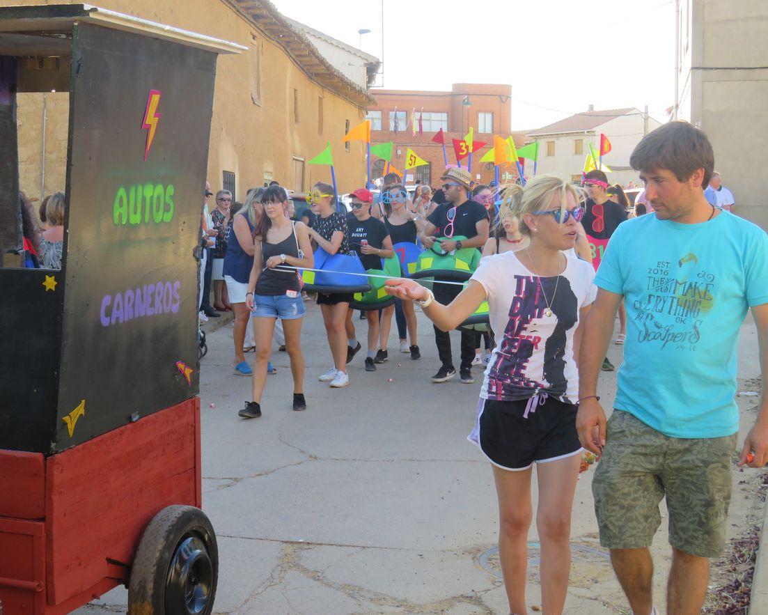 Colorido y diversión por las calles de Matadeón de los Oteros