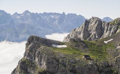 Picos de Europa: donde las manos rozan el cielo
