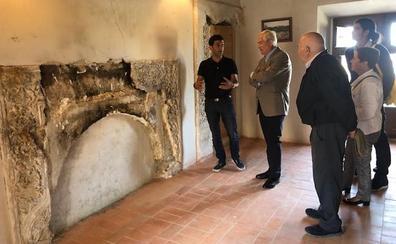 Un convenio entre la Junta y el Ayuntamiento de Grajal permitirá a los estudiantes de la Escuela de Arte de León hacer prácticas en el Palacio de Los Condes