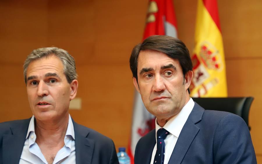 Comparecencia en las Cortes del consejero de Fomento y Medio Ambiente, Juan Carlos Suárez-Quiñones