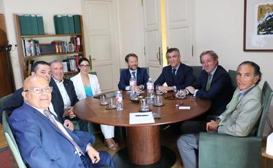 Fele traslada al nuevo subdelegado del Gobierno sus reivindicaciones para la mejora y el desarrollo económico de la provincia