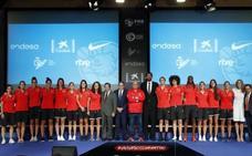 La selección femenina, «a disfrutar» en el Mundial para repetir podio
