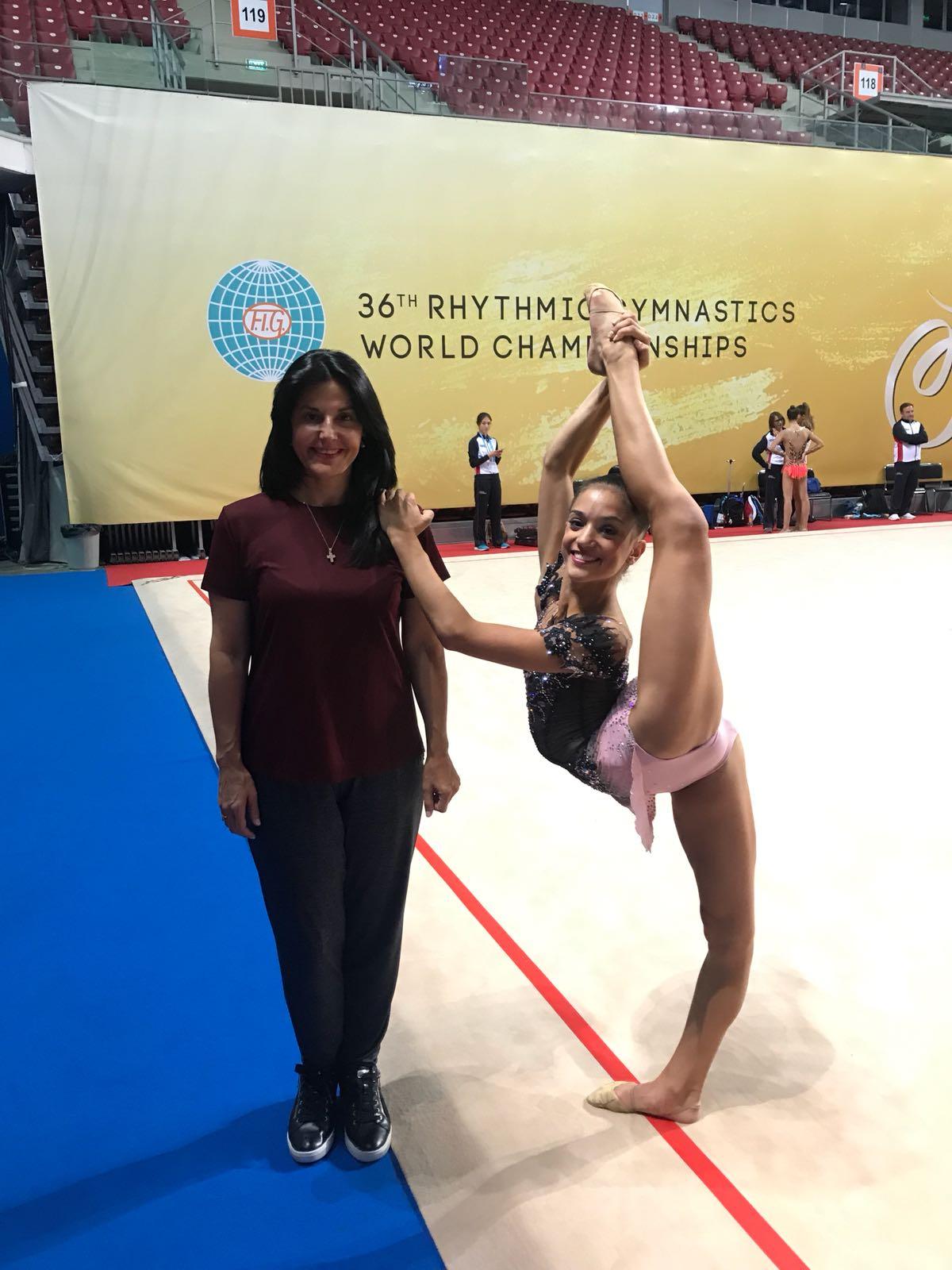 Sara Llana brilla con la pelota en el Mundial de Rítmica de Sofía