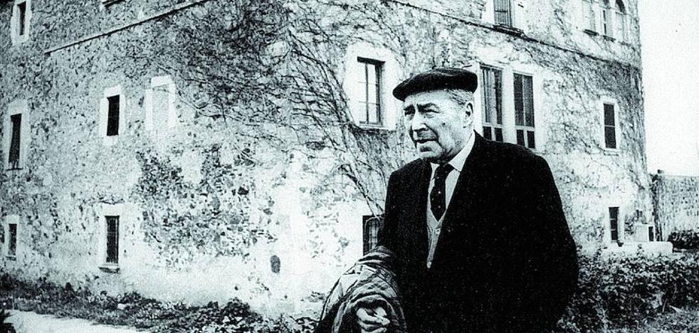 Un payés trajeado entre bolcheviques