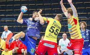 Slavic regala un punto al Abanca Ademar en un mal partido en ataque