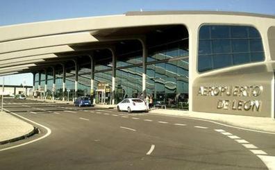 El aeropuerto de León sigue creciendo y su tráfico ha aumentado desde enero un 40%
