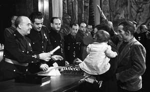 El Gobierno estudia cómo revocar los títulos nobiliarios otorgados en la dictadura
