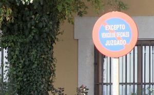 La curia del Obispado se cita para apartar el cura acusado de abusos