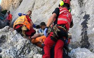 Fallece el montañero que resultó herido grave tras caer quince metros en Picos