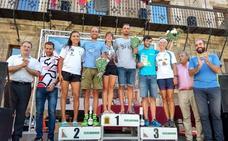 Daniel Múgica y Nerea Gómez vencen en el triatlón 'El Camino' de Astorga