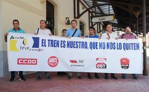 Los trabajadores de Feve llaman a todo León a luchar por mantener «un servicio esencial» tras siete años de «desidia política»