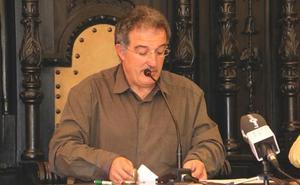 El alcalde de Astorga y los dos ediles implicados en la Enredadera oficializan en pleno su salida del PP