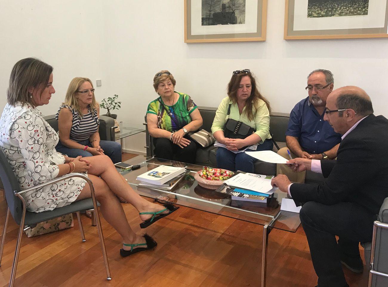La Diputación se suma a las reivindicaciones para la continuidad de las rutas de Feve en la provincia de León