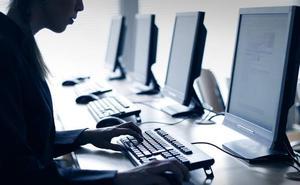 Siete de cada diez jóvenes aseguran que se ha disparado el acoso a través de internet