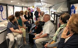 El Ciberbús llega a Sahagún para ayudar a sus ciudadanos en el uso diario de las nuevas tecnologías