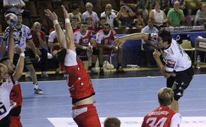 El Abanca Ademar cuaja un buen partido y suma la primera victoria europea