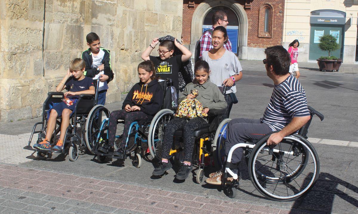 Los niños del González de Lama derriban por un día las barreras de la discapacidad