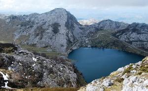 El Área de Deportes de la ULE programa una ruta que recorrerá los Lagos de Covadonga
