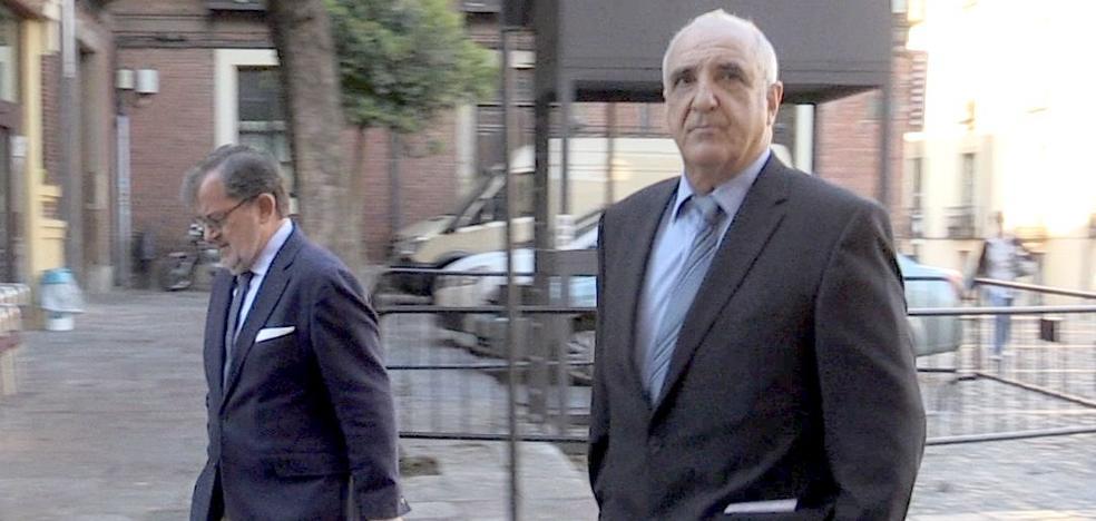La Audiencia suspende 'sine die' el juicio contra Victorino Alonso y admite a trámite un recurso de CMC