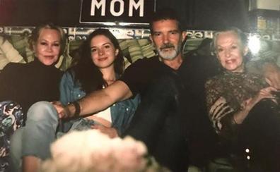 Antonio Banderas y Melanie Griffith celebran juntos el cumpleaños de su hija Stella