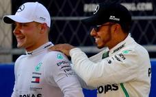 Bottas le gana la 'pole' a Hamilton