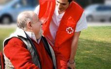 Los programas de atención de Cruz Roja para mayores prestan ayuda en León a 4.000 usuarios